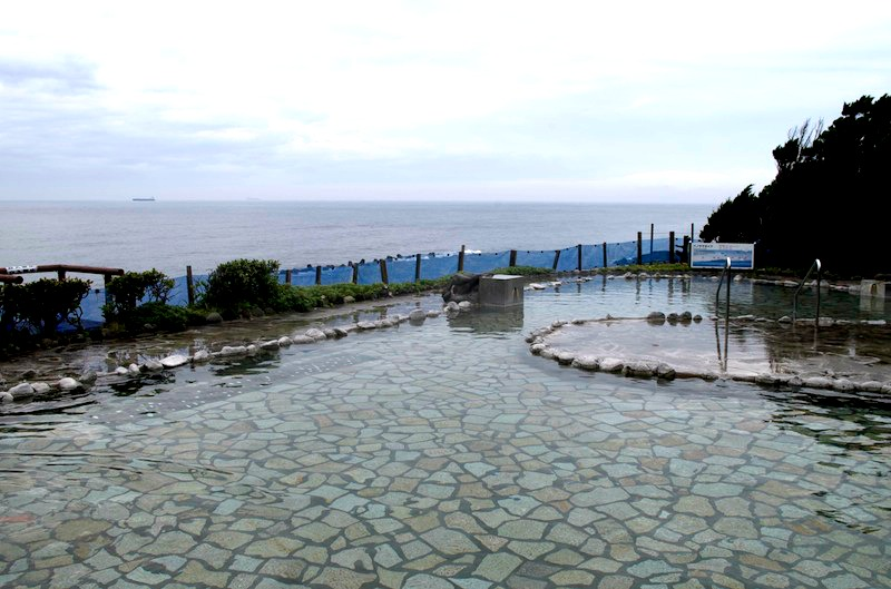 'Hama-no-yu' Open air onsen with a view of the sea and mountain